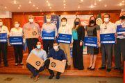 CONATEL entrega 200 notebooks para estudiantes de la UNE