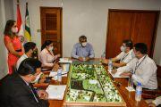 La UNE pide apoyo a Itaipú para construir auditorio para 1.600 personas