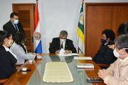 UNE y Sobrevivientes Paraguay firman convenio para trabajar por la salud mental