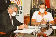 UNE y Municipalidad de CDE firman convenio para beneficiar en varios proyectos al estamento estudiantil